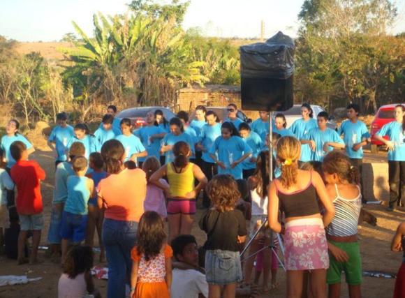 """""""Lixão em Goiânia. Continuamos fazendo o trabalho nesse lixão todo o ano."""" (Base Campo Grande, 2010)"""